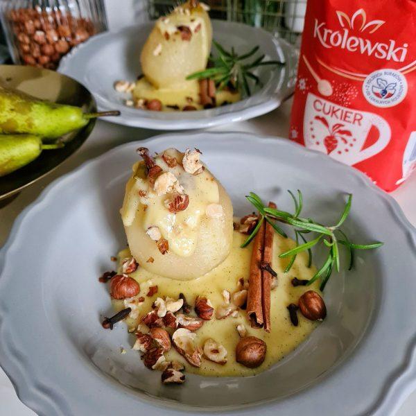 Gotowane gruszki zsosem waniliowym