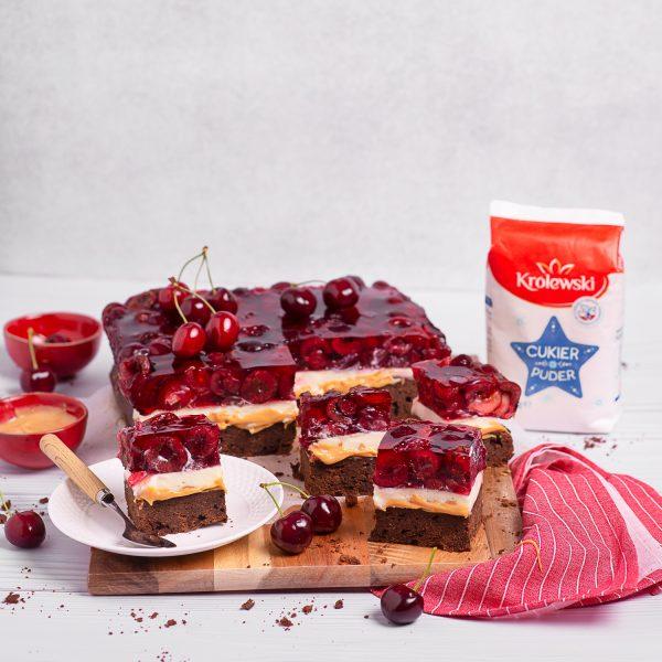 Ciasto czekoladowe zczereśniami igalaretką