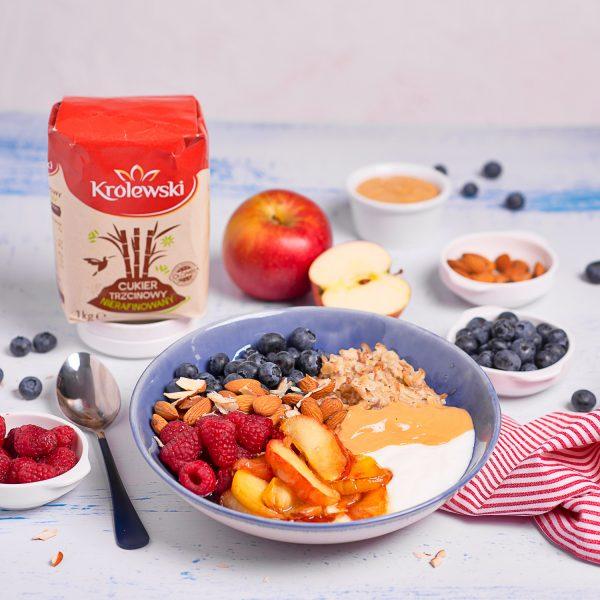Owocowy bowl śniadaniowy